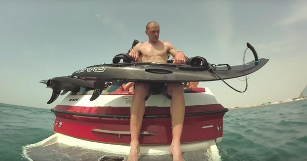 Mako Slingshot, la tabla de surf motorizada