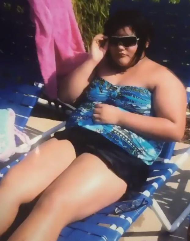 Pesaba 101 kilos y así ha transformado su cuerpo después de dos años de gimnasia