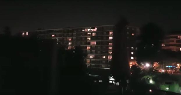 El vecino con más huevos de España: Pone a Manolo Escobar a todo volumen en su terraza en Barcelona (Vídeo)