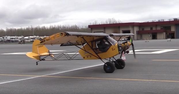 Competición de aterrizar en el menor espacio posible en Alaska