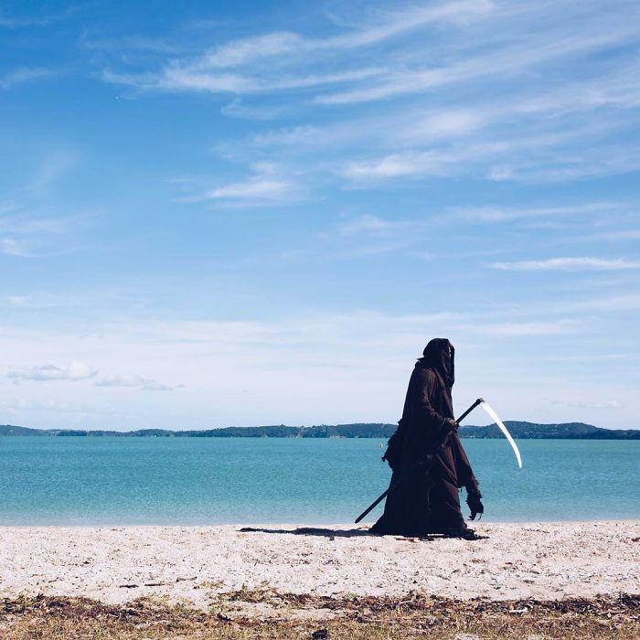 La Cuenta De Instagram De La Muerte En La Playa Es Oro
