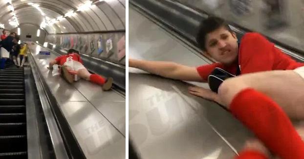 Cuando decides bajar las escaleras mecánicas deslizándote y te metes la hostia de tu vida