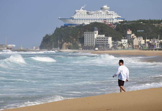 Cuando la realidad supera al Photoshop: Hotel Sun Cruise Resort & Yacht, Jeongdongjin