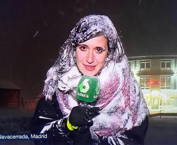 Reportera de La Sexta en directo desde Navacerrada, Madrid. Se nos va de las manos...