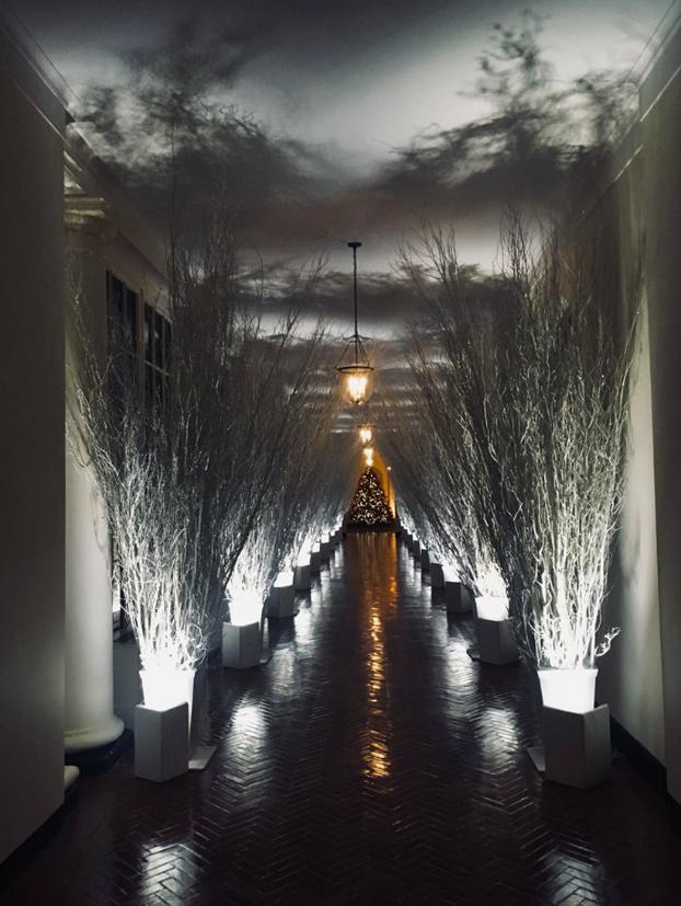 Reacciones en forma de memes a la decoración navideña 'de terror' de Melania Trump en la Casa Blanca