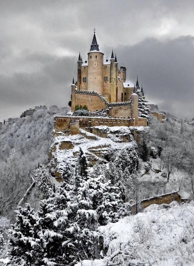 Maravillosa fotografía del Alcázar de Segovia nevado