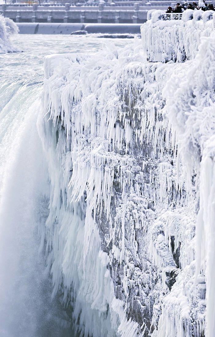 Las cataratas del Niágara congeladas