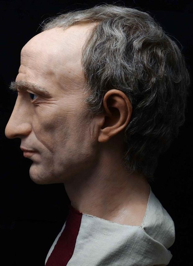 Busto hiperrealista Julio César