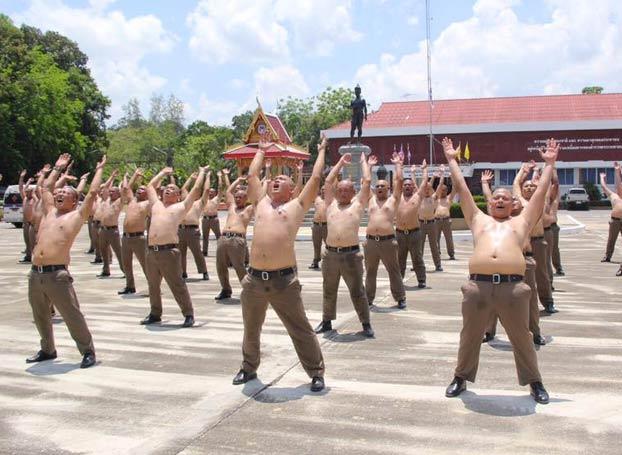 Tailandia enviará a sus policías con sobrepeso a un campamento para perder peso
