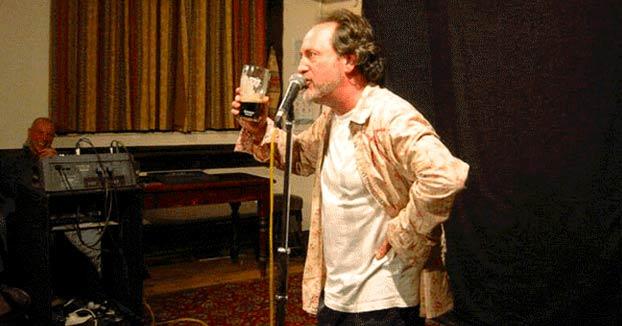 El cómico Ian Cognito fallece en pleno show tras ironizar sobre su propia muerte