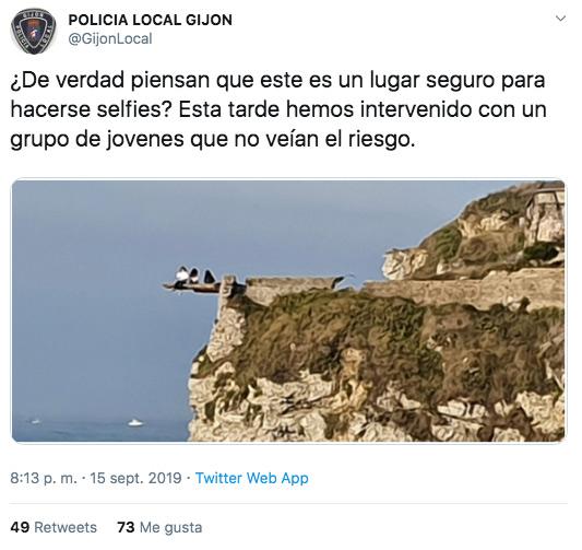 Un selfie 'extremo' en un acantilado de Gijón alerta a la policía