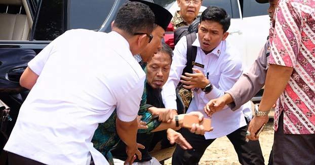 Un hombre apuñala al ministro de Seguridad de Indonesia