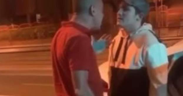 Un taxista de Granada le mete un cabezazo a un cliente porque se negaba a abonar un suplemento